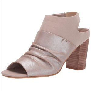 NWT Bicolor faux leather booties 10
